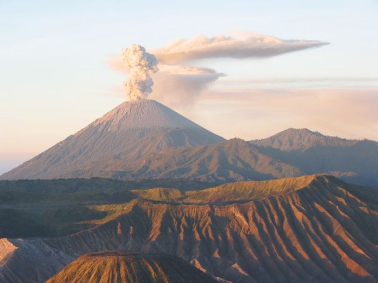 volcan-en-indonesie-1539733